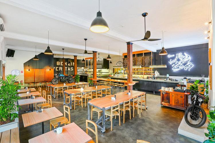 Deus Bar + Kitchen